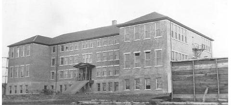 """Lejac Residential School at Fraser Lake 1920s. Photographer unknown / <a href=""""http://commons.wikimedia.org/wiki/File:Lejac_Residential_School.jpg"""">Public Domain</a>"""